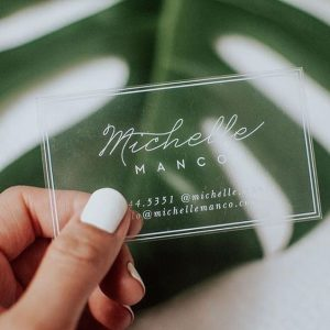 card visit nhựa trong in mực trắng
